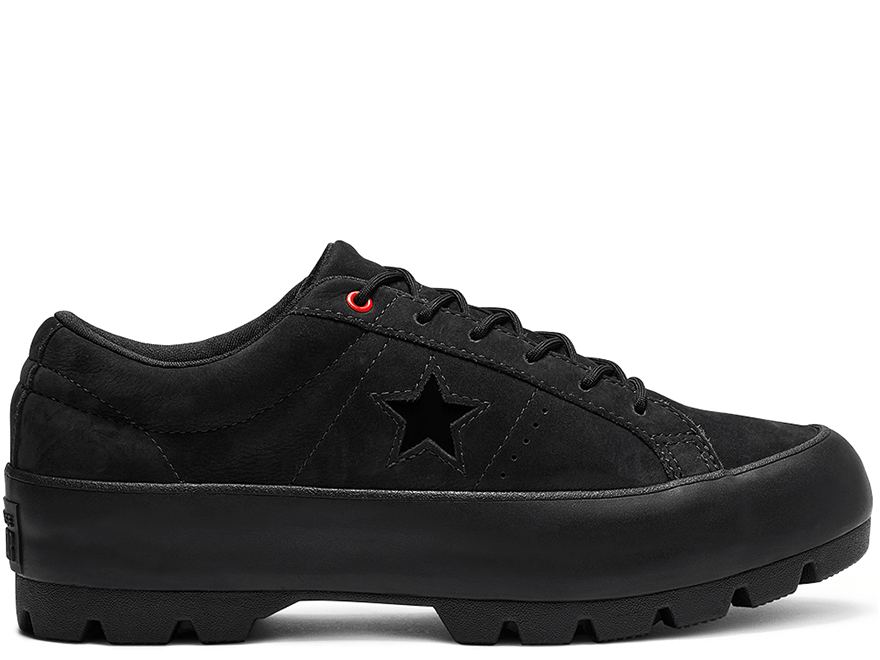 One Star Lugged Black Low Top